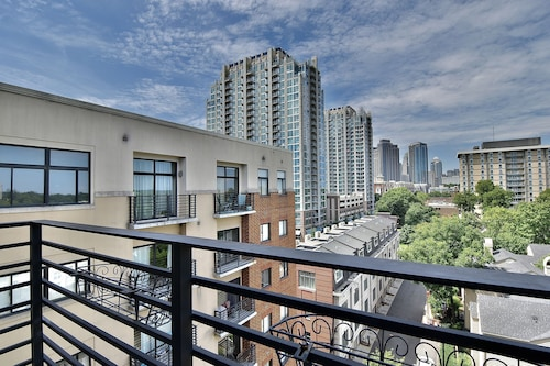 Furnished Condo in Uptown / Downtown Charlotte Fourth Ward With Balcony and View