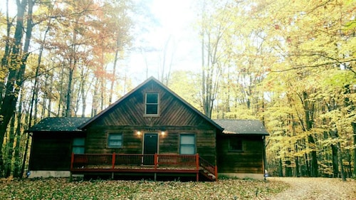 Cozy 4 Bedroom Cabin Nestled in the Beautiful Central Michigan
