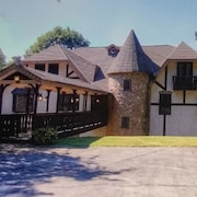 8k sf Castle,<4 mi to Lakepoint, Private, Gated With Mountain & Creekside Views