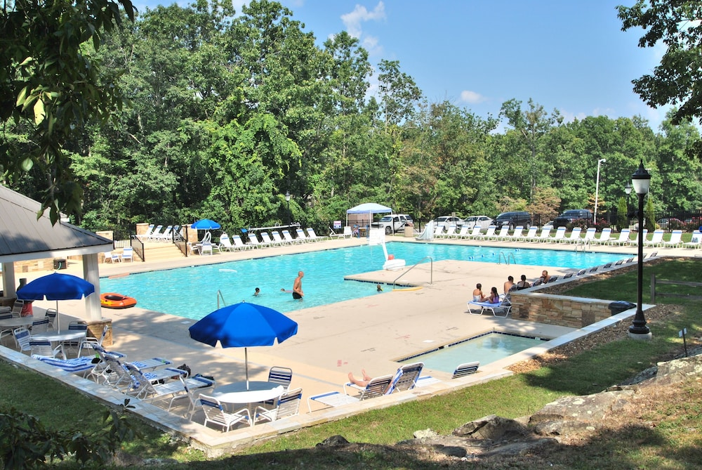 Pool, ?resort Vacations at Fairfield Glade TN 2 bdr Condo, Perfect Location to Golf, Pools & Hiking