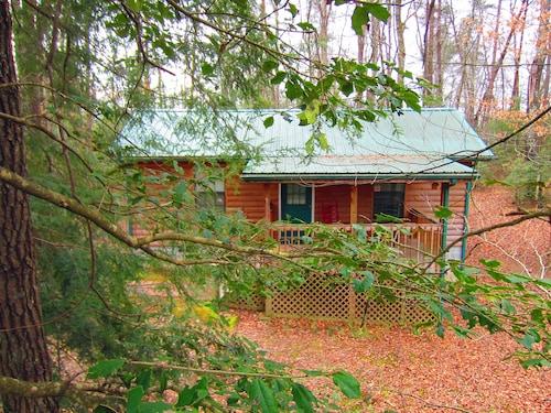 Beautiful, Dog Friendly Log Cabin! Less Than 5min From Fall Creek Falls SP