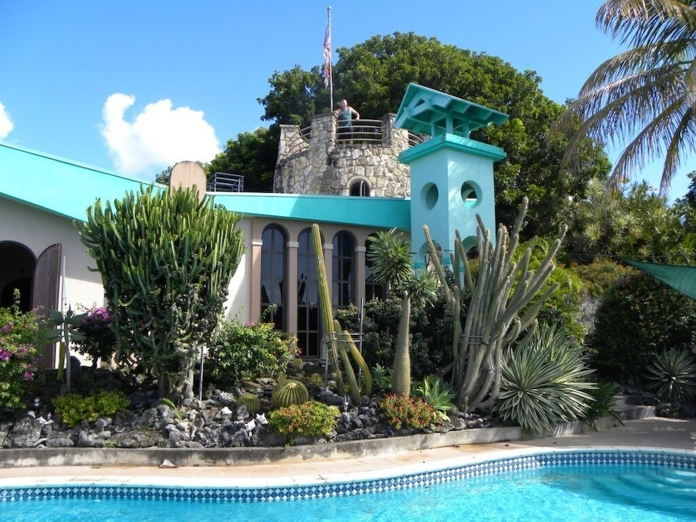 Featured Image, 2 Bedroom Apartment in Mountain top Villa With Pool.
