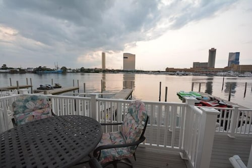 Waterfront all Room Bang on Waterfront/ Casino View on Most Best Marina in NJ