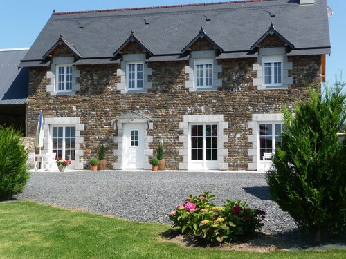 Normandy Charming Gite 160 m2 Spacious, Comfortable, Enclosed Garden