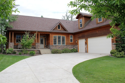 Hayden Lake Country Club Estates. Only Minutes to Lake, Golf, Entertainment