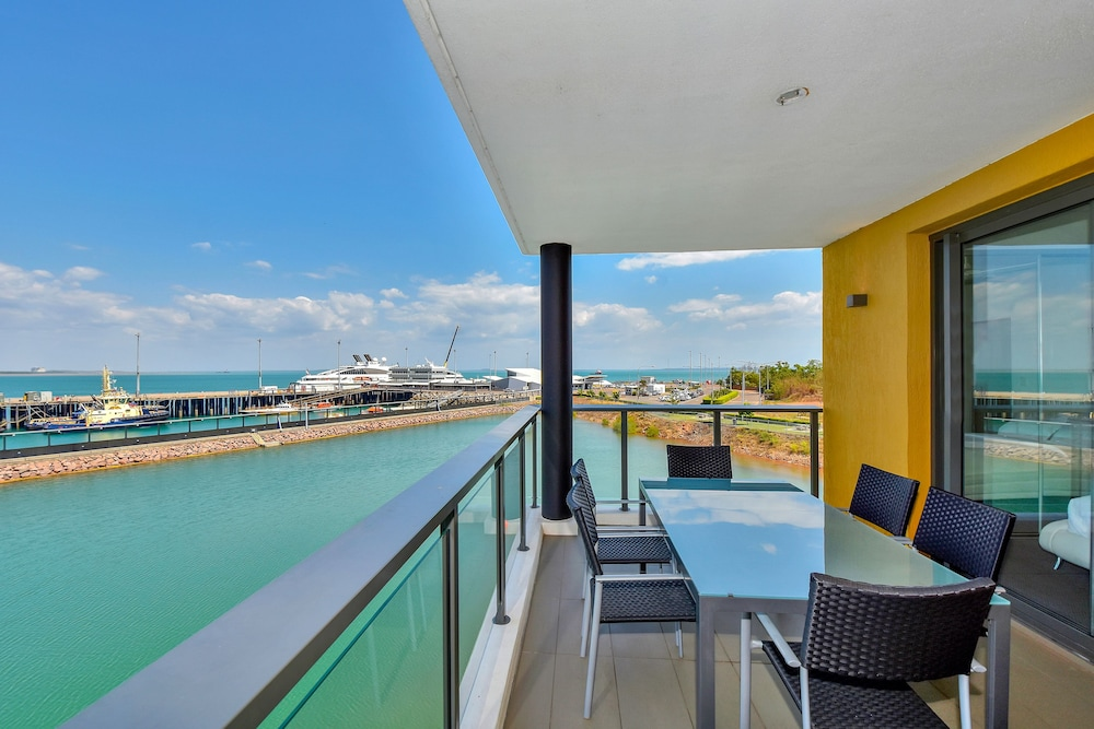 Terrace/Patio, Accommodation at Darwin Waterfront