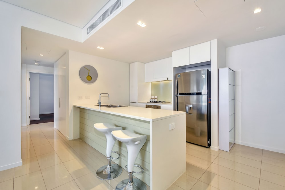 Private Kitchen, Accommodation at Darwin Waterfront