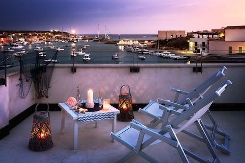 Vacanze a Lampedusa | Pacchetti Lampedusa 2020 | Expedia.it