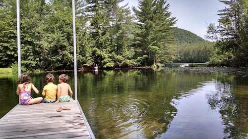Comfortable Mountain Lodge on Lake With Nearby Trails - Near Lincoln, Franconia
