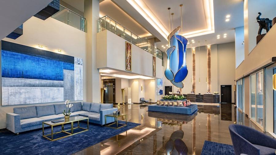 Centara West Bay Hotel & Residences Doha