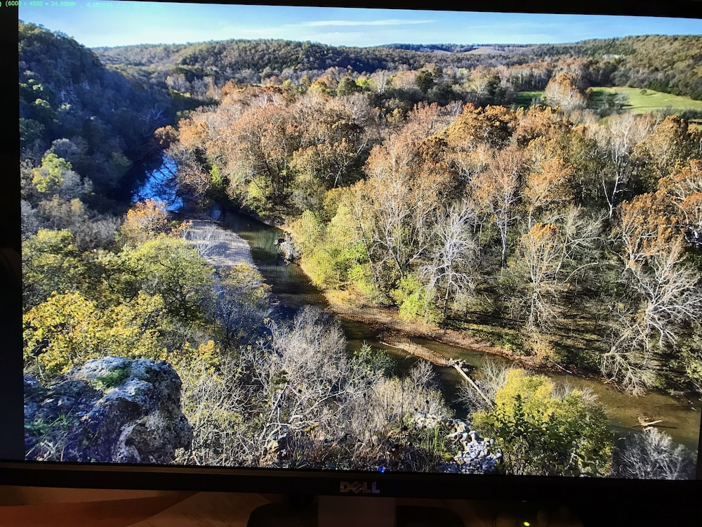 Luxurious Cabin With Private Niangua River Access View