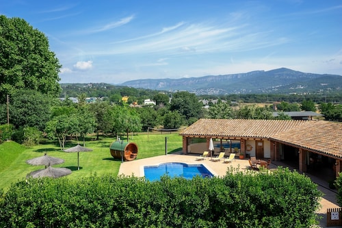 ELS Cingles - Beautiful Farm House With big Garden and Heated Pool