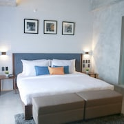 Upper Story Serviced Apartments