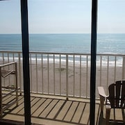Captivating! Just Sand & SEA Below! Master/living Room Balcony Access! Elevator!