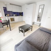 ZH Gold - Letzigrund Hitrental Apartment