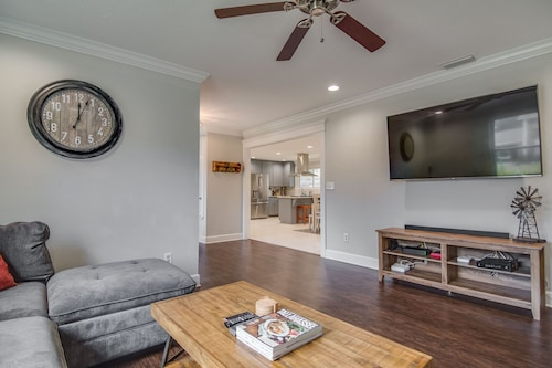 Updated Midtown Home, 12 min From FSU