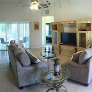 Charmer in the Heart of Cape Coral