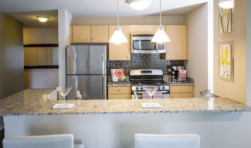 Location Location Location 2br/2ba In the Heart of the City