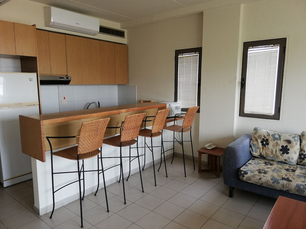 Private Kitchenette, Siwar Center Apartments