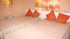 2 bedrooms, in-room safe, iron/ironing board, free WiFi