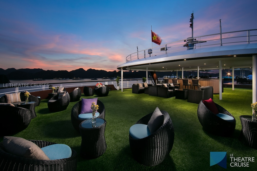 Outdoor Banquet Area, Le Theatre Cruise