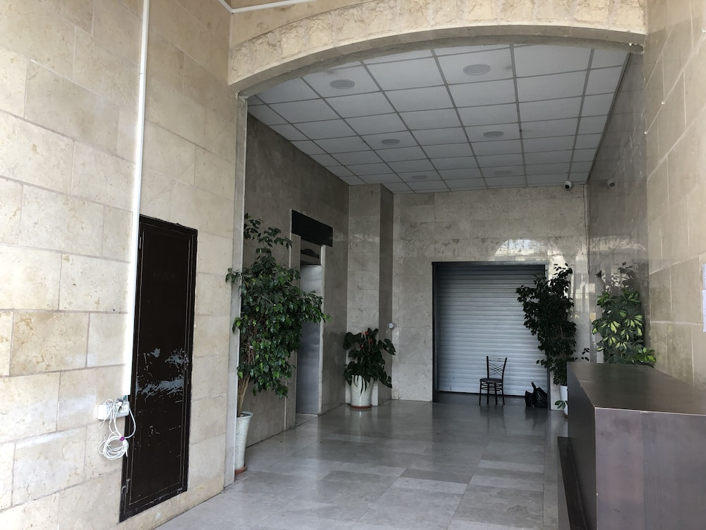 Property Entrance, Grand Suites Bethlehem