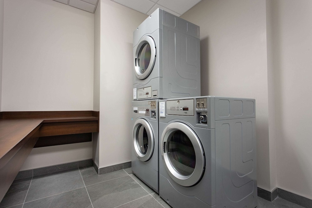 Laundry Room, Microtel Inn and Suites by Wyndham Mont Tremblant