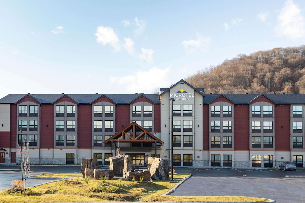 Exterior, Microtel Inn and Suites by Wyndham Mont Tremblant