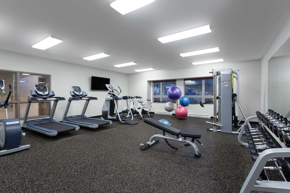Fitness Facility, Microtel Inn and Suites by Wyndham Mont Tremblant