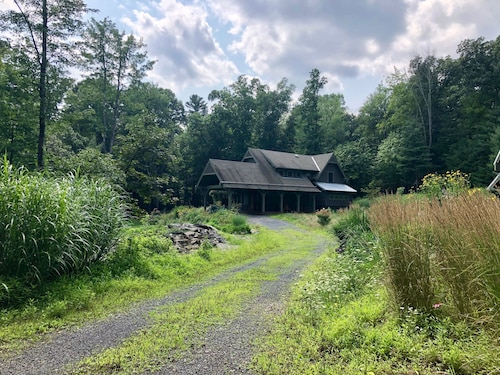 Private 6 Acre Catskills Retreat Between Mohonk and Woodstock - Sleeps 8
