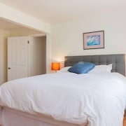 Cute Condo Near Convention Center. Walk to Chase Field, Restaurants A.s.u