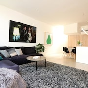 Inspired Designer Carlton North Terrace - Rejuvenate Stays