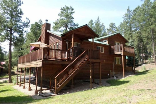 Great Place to stay Ponderosa Home near Angel Fire