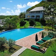 Nonsuch Bay Resort Private Luxury Apartment by Pool, Superb Bay View, Beach 60m