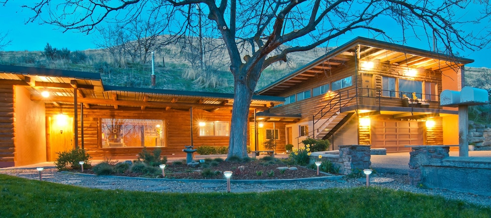 Featured Image, Boise Hillside Suites