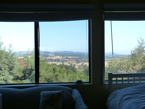 Lovely Cottage With Views Near Stanford/palo Alto/menlo Park