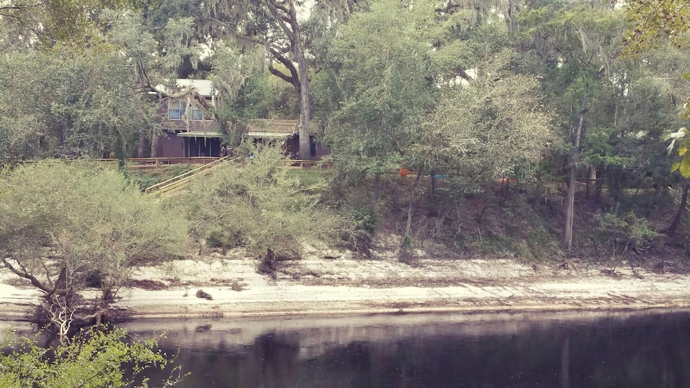 Property Grounds, Suwannee River Oasis! Waterfront Cabin in Paradise White Springs, Florida