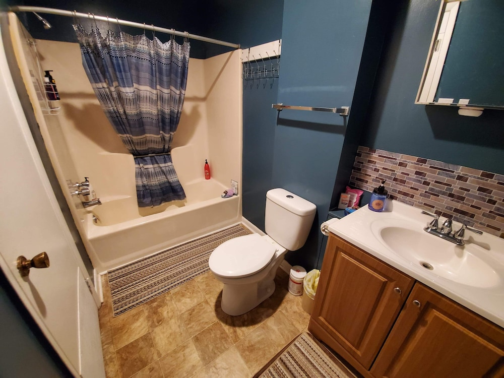 Bathroom, Suwannee River Oasis! Waterfront Cabin in Paradise White Springs, Florida