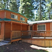 #39 The Cabins at Hyatt Lake - Sleeps 6 - Hot Tub
