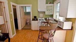 Microwave, oven, hob, espresso maker