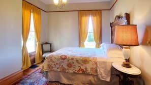 5 bedrooms, iron/ironing board, free WiFi, bed sheets