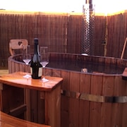 Romantic Beachfront Pod With Hot Tub - Kintyre