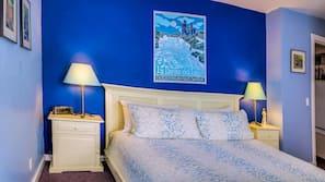 6 bedrooms, premium bedding, iron/ironing board, free WiFi