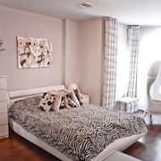 2 Bdr, 2 Bth New York Brighton Beach Apt