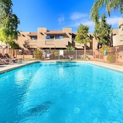 Prime Wiinter Months Discounted Rates! 2 BED 2 Bath Garage,pool