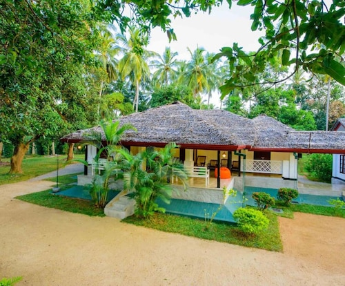 Kurunegala District Hotels: Find Cheap Hotel Deals from £15