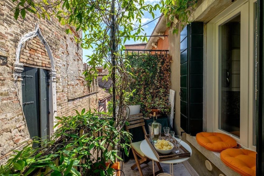 Attico Terrazza In Venice Hotel Rates Reviews On Orbitz