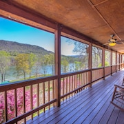 River and Mountain View Spacious Lodge on TN River Gorge Outside Chattanooga