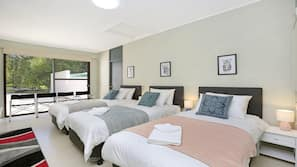7 bedrooms, iron/ironing board, Internet, bed sheets