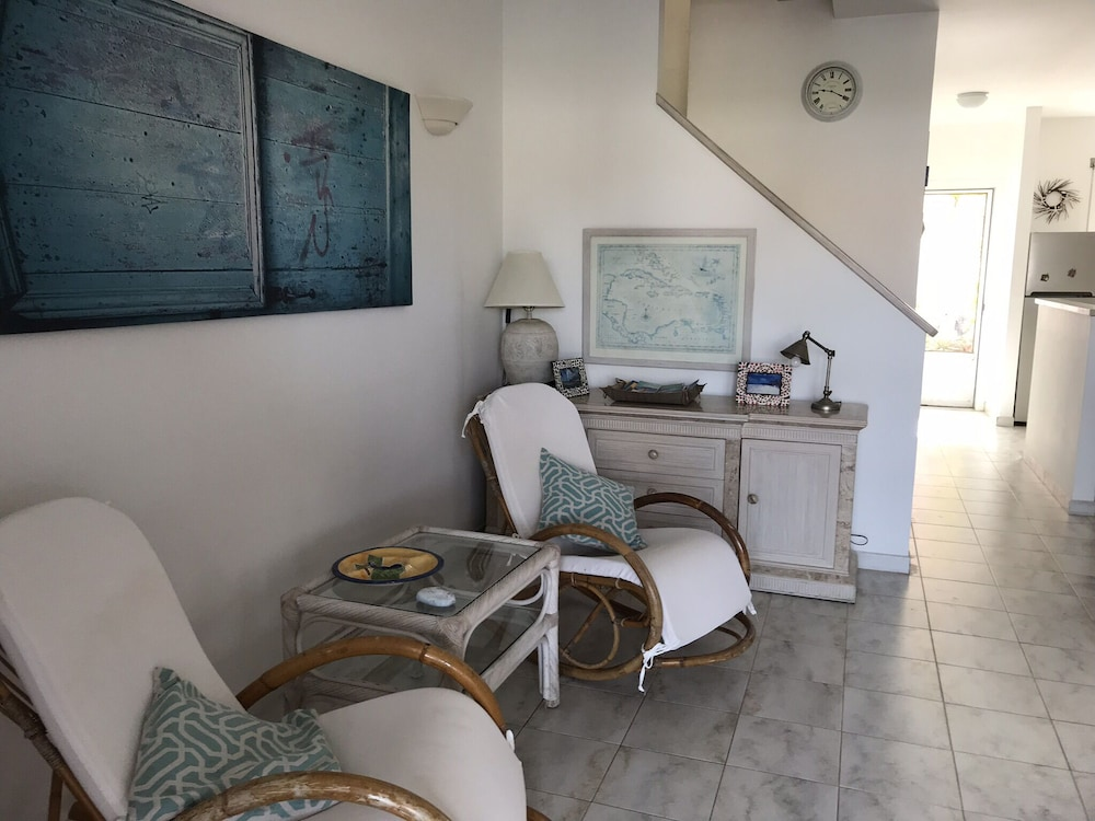 Room, Exceptional Waterfront Villa, Short Walk to Beautiful Secluded Beach